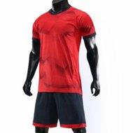 futbol takımları toptan satış-Özelleştirilmiş futbol üniforma kitleri Spor Futbol Jersey Formalar ile Şort Futbol Giyim Kişilik Mağaza popüler Futbol eşofman Setleri