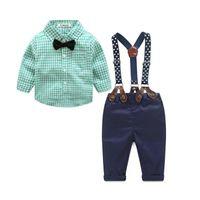 bebek boyun kravat takımları toptan satış-Sıcak Erkek Bebek Giysileri Sonbahar Bahar Yenidoğan Bebek Setleri Bebek Giyim Beyefendi Takım Elbise Ekose Gömlek + Papyon + Pantolon Askıya 2 adet Suits