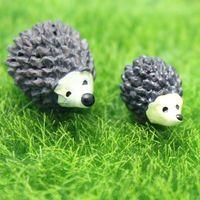 ingrosso piante di terrario-Hedgehog Mamma e figlio Cartoon Mini animali Ornamento Miniature per terrario Giardino fatato Décor Moss Pianta grassa Pot Decorazione paesaggistica