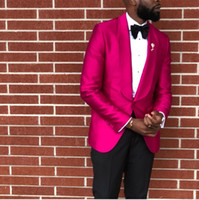 esmoquin rosa fuerte novio al por mayor-Padrinos de boda Hot Pink Groom Tuxedos Shawl Solapa Trajes de hombres 2 piezas Wedding Best Man Novio (Chaqueta + Pantalones + Corbata) C596