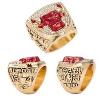 edelstahl stier großhandel-Punk Vintage Red Crystal Ring Bull Muster Herrenringe Gold Farbe Runde Edelstahl Titan Ringe
