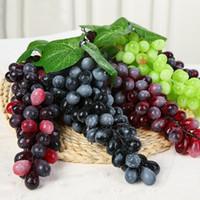 mini fruta artificial al por mayor-Frutas artificiales Uvas de plástico Falsas decorativas Frutas Realistas Boda en casa Jardín Decoración Mini simulación de frutas