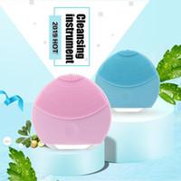 sonic hautpflege pinsel groihandel-Gesichts-Reinigungsmittel Sonic Vibration Silikon Wasserdicht Schönheits-Werkzeug Massage Entkalken Deep Clean Skin Care Bürste freier Versand P0502