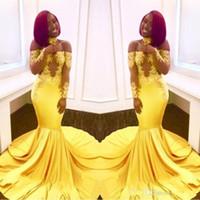 sirena amarilla vestidos de fiesta largos al por mayor-Elegante amarillo fuera del hombro Vestidos de fiesta de encaje 2019 Manga larga formal barata Sirena Apliques Satén vestidos de noche árabes más tamaño
