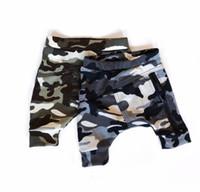 pantalones de camuflaje para niños al por mayor-Pantalones cortos de camuflaje para bebés varones 2019 Verano Niños niños Pantalones cortos con cremallera Harem Pantalones Pantalones para bebés recién nacidos Niños pequeños Ropa de alta calidad