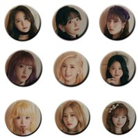 badge kpop venda por atacado-KPOP iZone Broches 2º Mini Álbum HEARTIZ Oficial Foto IZ * UM CORAÇÃO * IZ pin badge para a roupa Chapéus Backpack Corsages zdl0302.