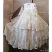 modern bebek resmi gowns toptan satış-2019 Sıcak Slae Bebek Vaftiz Önlük Dantel Aplike Uzun Kollu Sequins Vaftiz Elbiseler Çiçek Kız Örgün İletişim Elbise