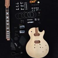 guitarra electrica bricolaje solido al por mayor-Kit de guitarra eléctrica sin terminar con tapa de arce flameado, guitarra de bricolaje caoba sólida, por favor, elija con o sin partes de guitarra