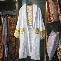 kimono en casa al por mayor-Albornoz de algodón clásico de lujo hombres mujeres ropa de dormir kimono bata de baño ropa de casa unisex albornoces klw1739