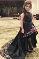 lo broderie achat en gros de-2019 robes de filles de fleur noir pour la fête Hi-Lo avec 3d broderie dentelle fermeture à glissière arrière longue princesse enfants mariage robes de fête d'anniversaire