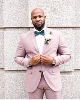 blazers de esmoquin rosa para hombres al por mayor-Pink Groom Tuxedos Groomsmen Notch Lapel Mejor traje de hombre de la boda de los hombres trajes de chaqueta por encargo (chaqueta + pantalones) SU0058