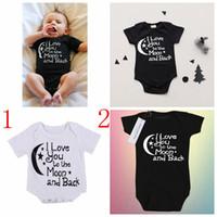 schwarze jungen overalls groihandel-Neugeborenes Baby Sommer Baumwolle Strampler Overalls Kleinkind Schwarz Weiß Brief Drucken Jungen Mädchen Kleidung 0-24 Mt