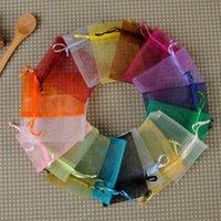 mostrar paquetes al por mayor-Colores mezclados joyería del organza Bolsas corta Fundas 7 * 9 cm 9x12cm 10x15cm 100pcs boda del regalo de la joyería cordón bolsas de embalaje Display