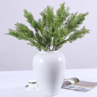 área de trabalho de plantas artificiais venda por atacado-Pinho artificial de Plástico Cypress Evergreen Planta Falso Decoração de Mobiliário de Escritório Em Casa de Natal Bardian 6 2hq F1
