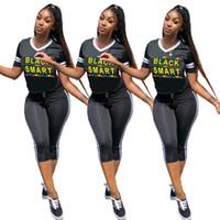 siyah kızlar seksi tozluklar toptan satış-Kızlar Siyah Akıllı Baskı Kısa Eşofman Seksi V Boyun T Shirt + Çizgili Kırpılmış Tayt 2 Parça Yaz Yoga Kıyafet Tasarımcısı SportwearA429
