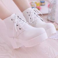 suela de bota femenina al por mayor-Botines cortos y gruesos con muffins de Europa y América con botas de mujer Martin de suela gruesa botas de tacón alto