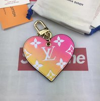 anahtar şeklinde kutu toptan satış-Yeni 2019 lüks kutu anahtarlık tasarımcı kalp şeklinde cüzdan kolye çanta moda anahtarlık nakliye için ücretsiz