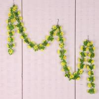 flores penduradas em videira amarela venda por atacado-2xArtificial Narcissus parede pendurado flor de seda videira em / outdoor decoração amarelo