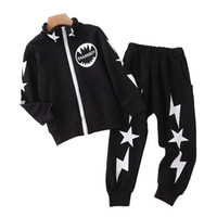 ingrosso stella nero-Neonati Vestiti Bambini Abbigliamento Bambini Tuta bambini abiti firmati ragazze 2PCS Sport Suit sportivo con Star Red Black 3-10T