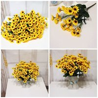 ingrosso fiori decorativi gialli-Fiore falso tromba fiore del sole sette forcelle colore giallo moda decorativa fiori artificiali decorazione Bwedding vendita calda2 3yrE1