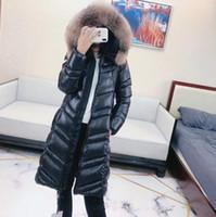 abrigo ajustado negro al por mayor-¡Ventas calientes! Mujer de invierno cálido abrigo de pato blanco / marca de gran calidad estilo largo slim fit abrigo / abrigo grueso con piel M70010 NEGRO