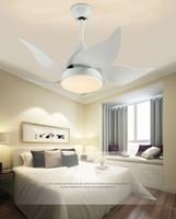 luces de techo de dormitorio contemporáneo al por mayor-Ventiladores de techo modernos Plancha de hierro moderna Luces LED Salón comedor Dormitorio Ventiladores de techo Arylic Lámparas con control remoto LLFA