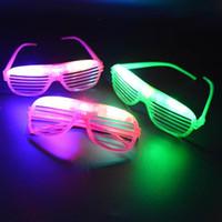 ingrosso luce ciechi-Raffreddare LED lampeggiante cieco maschera per gli occhi Occhiali Light Up lampeggiante regalo per feste Adulto Bambino Glow Wedding Decoration