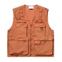 colete de jaqueta de esporte venda por atacado-19SS Camo carga colete tático Roupa Montanha Outdoor Homens Mulheres Brasão Rua Casual Desportivo HFLSJK348 Outwear Jacket