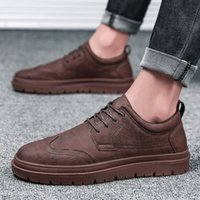 ingrosso la porcellana ha fatto i pattini neri-Lusso Scarpe uomo casual piattaforma Mens Leather Triple Nero Grigio Scuro Rosso Designer Shoes Low Sport Sneakers formato 39-44 made in China