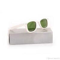 lunettes de soleil vertes monture blanche achat en gros de-Lunettes de soleil de haute qualité Plank White Frame Green Lens Lunettes de soleil charnière en métal Lunettes de soleil pour hommes Lunettes de soleil pour femmes Lunettes de marque Lunettes de marque