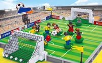 juego de campo al por mayor-Nueva llegada interacción educativa entre padres e hijos Ensamble figura juguetes Mini Copa del Mundo con el partido de fútbol Campo de ladrillo módulo