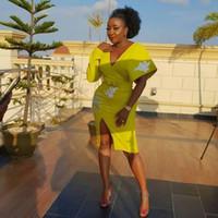 gelbe knielänge kleid mutter braut großhandel-Mode gelb Abendkleider v-ausschnitt applique prom dress split knielangen mutter der braut kleider