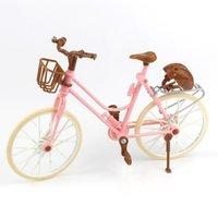 schöne rosa puppen groihandel-Schöne Fahrrad Mode abnehmbare rosa Fahrrad mit braunen Kunststoffhelm für Puppenzubehör