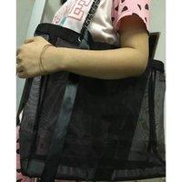 vip kosmetik taschen groihandel-Klassische hochwertige Mesh große Kapazität Einkaufstasche / senden Trompete Handtasche und Farbband Set / Damen waschen kosmetische Lagerung Strandtasche VIP-Geschenk