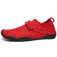 zapatos de deporte de los hombres grandes al por mayor-Tamaño grande Hombres Mujeres Playa Zapatos Aqua Deportes al aire libre Zapatos de deporte de agua Unisex Plana Suave Marea Caminar Natación Suave Amantes Yoga