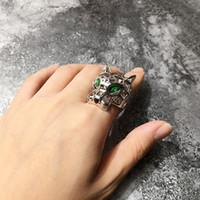 ingrosso anello tigre occhio piatto-vendita calda squisita moda in rame placcato oro occhio cava verde testa di tigre testa di leopardo anelli anello di gioielli di moda designer per donne e uomini