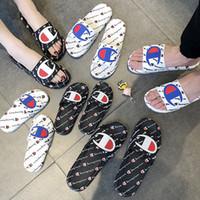 flip flop yaz kış toptan satış-Kadın Erkek Mektup Sandalet Yaz Unisex Terlik Çevirme kama Kayma Platformu Sandalet Plaj Su Yağmur Katır Ayakkabı AAA2228