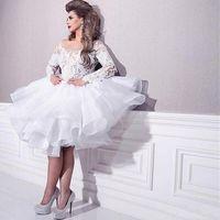 lange hülse weiße rote teppichkleider großhandel-Arabisch Südafrikanisch Dubai White Homecoming Kleider Sheer Neck Lace Long Sleeves Formale Abendgesellschaft Kleider Prom Red Carpet Dress