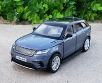 juguetes de metal modelo de coche al por mayor-01:32 lujo Escala fundido a troquel del metal SUV modelo de coche para Range Rover Velar Colección-o-terreno Modelo Soundlight Juguetes de coches