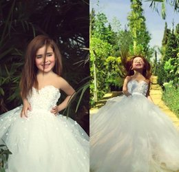 Wholesale Strapless Kids Wedding Dresses - 2016 Lovely Flower Girl Dresses for Wedding Strapless Ivory Vintage Lace Kids Communion Gowns with Handmade Flowers Beads Tutu Gowns