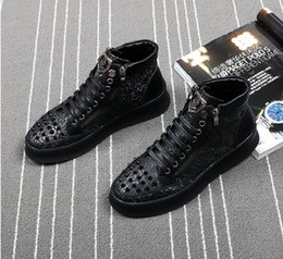 Wholesale Top Heels Red Bottom - 2018 High Quality Fashion Men High Top British Style rivet Shoes Men Causal Luxury Shoes Red Black Bottom rubber Shoes for Male