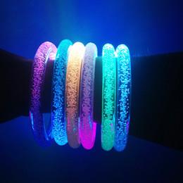 lampeggiante tasto di ricerca leggera Sconti Braccialetto LED lampeggiante Brillante braccialetto Brillante braccialetto di cristallo Festa Disco Regalo di Natale Può logo personalizzato