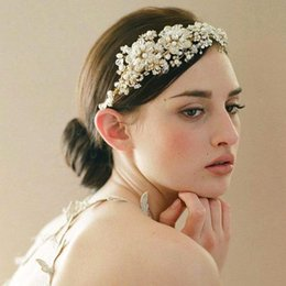 Wholesale White Flower Headbands - 2017 Newest Handmade New Bridal Hair Accessories Metal Flowers Crystals Headbands Sparkly Headdress for Brides Weddings CPA096