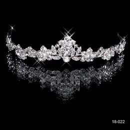 Wholesale Gold Plated Crowns Tiaras - 2015 Brilliant Crystal Bridal Crown Tiara 18K White gold plated metal Wedding Bride's Hair Comb Fashion Design Cheap In Stock 18022