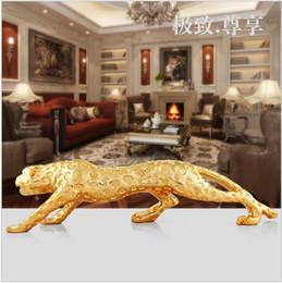 2019 struttura in resina barocca Lucky Leopard Sculpture Car Decoration Polvere d'oro spruzzato mestiere arredamento abbellimento regali Home Decor o decorazione auto stile europeo