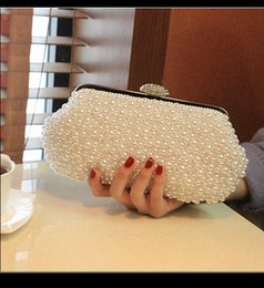 Wholesale Ivory Wedding Hand Bags - 2018 Desinger Pearl Crystal Bridal Hand Bags Free Shipping Bridal Accessory Womens Evening Wedding Party Clutch Bag In Stock White Ivory QM