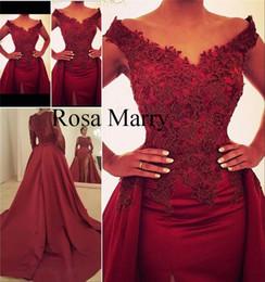 2019 pizzo usura stile nigeriano Sexy Red Overskirt Mermaid Split Abiti da sera 2020 Off spalla Vintage nigeriano Stili di pizzo Plus Size economici Abiti convenzionali Abiti da sera pizzo usura stile nigeriano economici