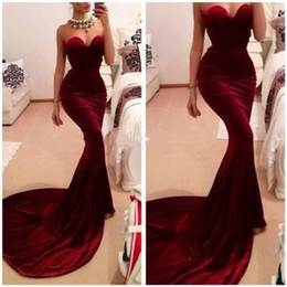 2021 billige wein brautjungfer kleider 2018 Günstige Gorgeous Red Velvet Abendkleider Hofzug Lange Mermaid Sweetheart Burgund Formale Brautjungfer Abendkleid Party Kleider