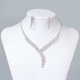 Wholesale Silver Jewellery Necklace Sets - Discount Bridal Jewelry Crystal Rhinestones Bride Prom Wedding Jewellery Sets 2015 Necklace Drop Earrings Bridal Accessories 15023