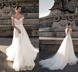 Wholesale Romantic Chiffon Dresses - Vintage Bohemian 2018 New Design Lace Wedding Dresses Off Shoulder Sexy Backless Chiffon Romantic Beach Country Wedding Bridal Gowns Custom